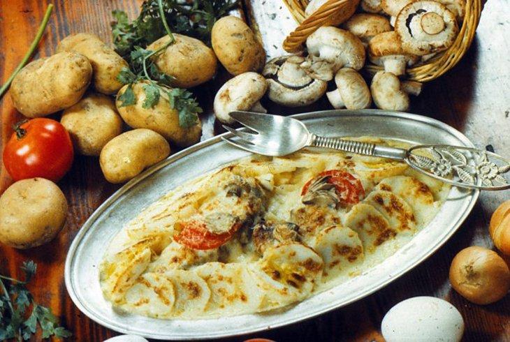 Как приготовить бедра куриные в духовке в рукаве